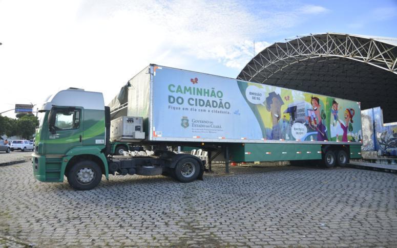 Caminhões do cidadão ofertam serviços no interior e na Capital