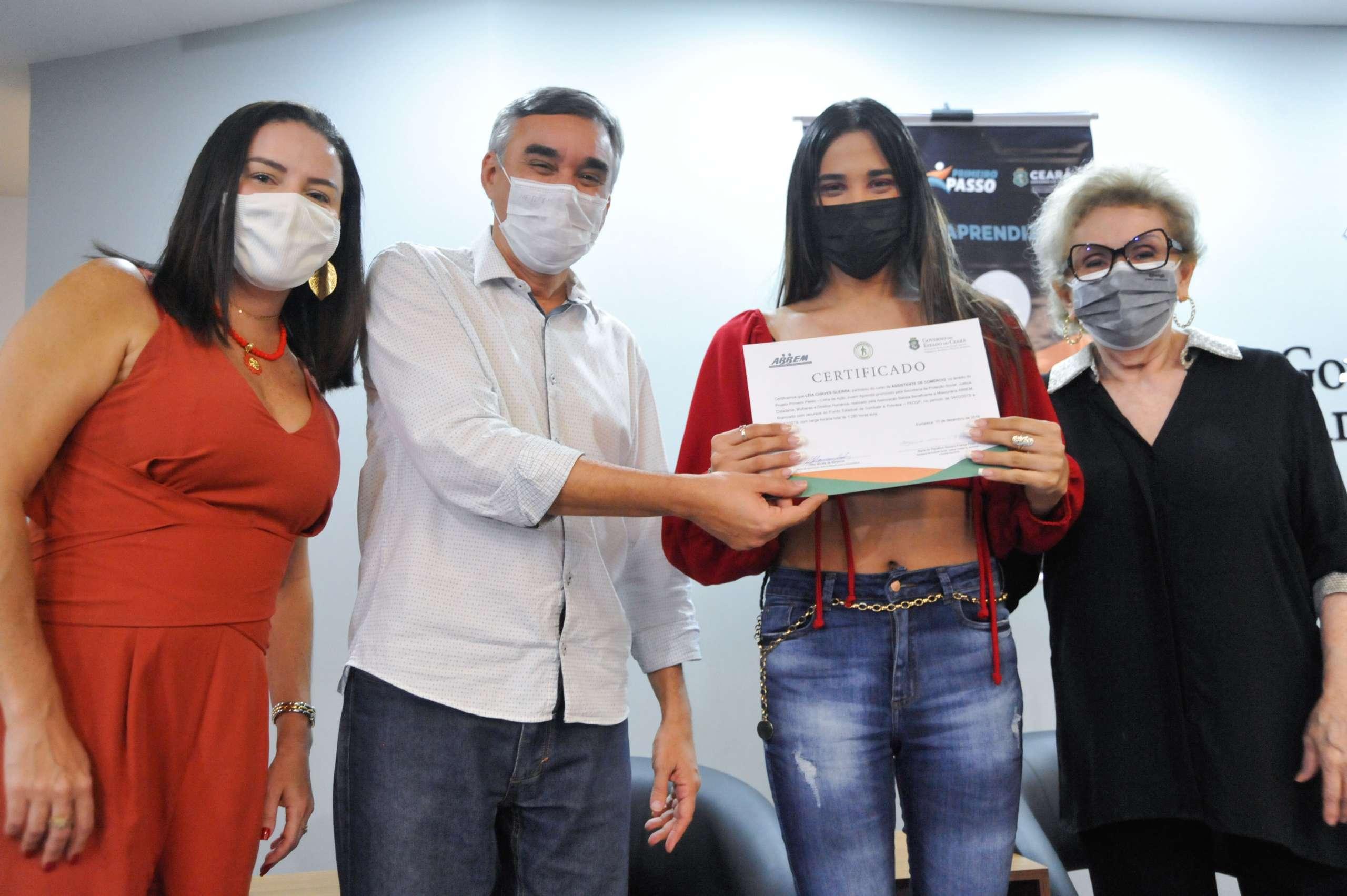 SPS certifica mais de 2, 7 mil jovens aprendizes no Ceará